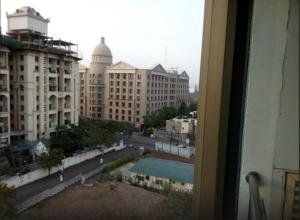 Royal Orchid Golden Suites, Hotely  Pune - big - 35