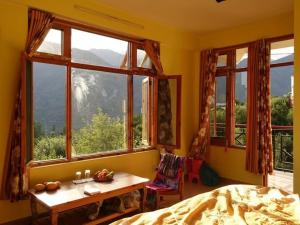 Malis Apple Lodge, Bed and breakfasts  Nagar - big - 7