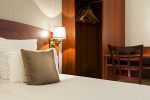Comfort Hotel Cachan Paris Sud, Hotels  Cachan - big - 26