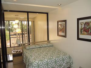 Sofia Suites #300, Apartmány  Angeles - big - 17