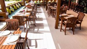 The Phu Beach Hotel, Отели  Ао Нанг Бич - big - 63