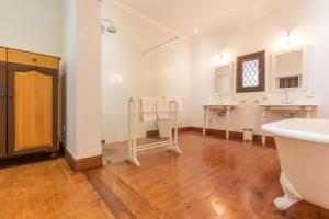 La Felicita, Apartmány  Somerset West - big - 31