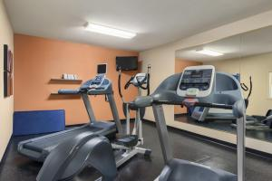 Country Inn & Suites by Radisson, Peoria North, IL, Отели  Peoria - big - 23