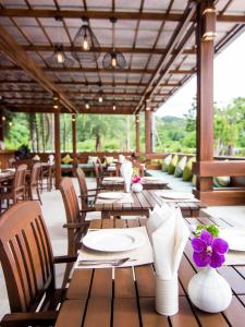 The Phu Beach Hotel, Hotels  Ao Nang Beach - big - 51