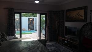 Trident Villa, Ville  Balaclava - big - 2