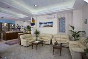 Hotel Acrux, Hotels  Gabicce Mare - big - 24