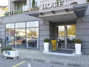 City Park Hotel, Hotels  Skopje - big - 1