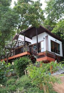 Ocean View Mini-Villa, Holiday homes  Wok Tum - big - 1
