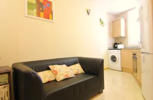 One-Bedroom Apartment with Terrace - Consell de Cent 71