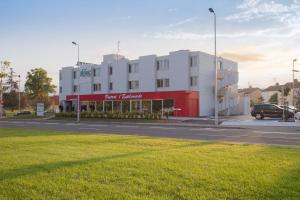 Brit Hotel Toulouse Colomiers – L'Esplanade, Hotely  Colomiers - big - 1