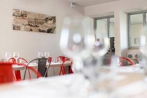 Brit Hotel Toulouse Colomiers – L'Esplanade, Hotely  Colomiers - big - 28