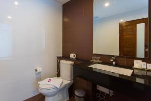 The Phu Beach Hotel, Hotel  Ao Nang Beach - big - 27