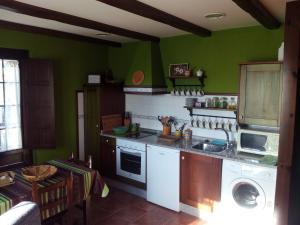 Apartamentos Rurales Casa Pachona, Апартаменты  Пуэрто-де-Вега - big - 36