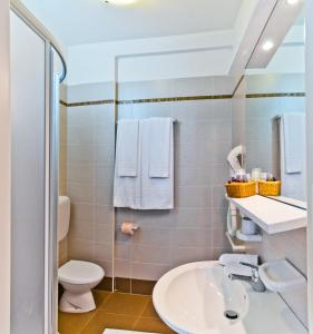 Hotel Victoria, Hotely  Bibione - big - 6