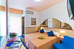 Hotel Victoria, Hotels  Bibione - big - 3