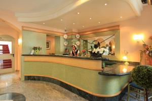 Adesso Hotel Astoria, Hotely  Kassel - big - 35
