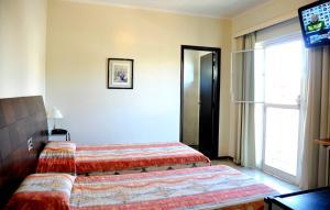 Luxury Triple Room (3 single beds)