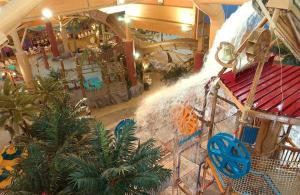Cedar Point Castaway Bay Indoor Water Park, Hotely  Sandusky - big - 58