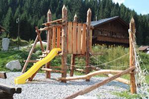 Alpin Park, Bed and Breakfasts  Sappada - big - 37