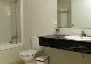 Hotel Roca Plana, Hotels  L'Ampolla - big - 3