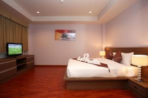 Bangtao Tropical Residence Resort and Spa, Resorts  Bang Tao Beach - big - 37