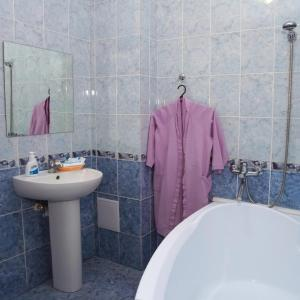 Hotel Baden Baden, Hotels  Volzhskiy - big - 12