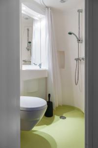 Camelot Rooms, Apartments  Eindhoven - big - 14