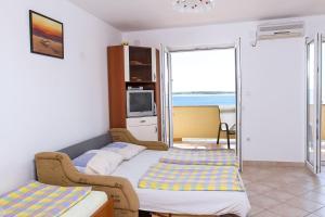 Apartments Villa Supertom, Apartmanok  Povljana - big - 4