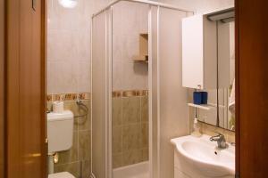 Apartments Villa Supertom, Apartmanok  Povljana - big - 19