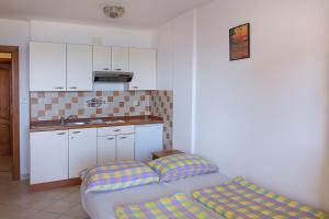 Apartments Villa Supertom, Apartmanok  Povljana - big - 14