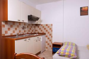 Apartments Villa Supertom, Apartmanok  Povljana - big - 13