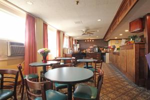 Fireside Inn & Suites Waterville, Отели  Waterville - big - 22