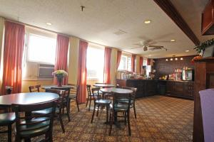 Fireside Inn & Suites Waterville, Отели  Waterville - big - 24
