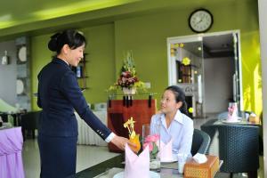 Hoa Binh 1 Hotel, Отели  Long Xuyên - big - 33