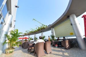 Hoa Binh 1 Hotel, Отели  Long Xuyên - big - 12