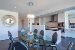 Taimana Central Apartment, Apartmanok  Queenstown - big - 10