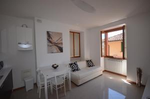 Leonardo House 2, Dovolenkové domy  Varenna - big - 63