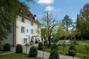 Schloss Ãœberstorf