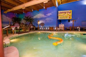 Cedar Point Castaway Bay Indoor Water Park, Hotely  Sandusky - big - 35