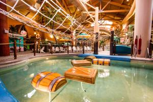 Cedar Point Castaway Bay Indoor Water Park, Hotely  Sandusky - big - 43