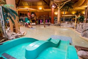 Cedar Point Castaway Bay Indoor Water Park, Hotely  Sandusky - big - 46
