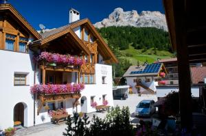 Residence Vajolet San Cassiano - AbcAlberghi.com