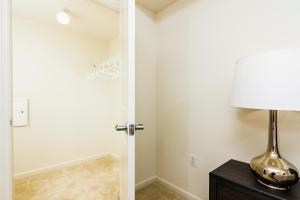 M Street Apartment by Stay Alfred, Апартаменты  Вашингтон - big - 17