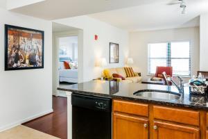 M Street Apartment by Stay Alfred, Апартаменты  Вашингтон - big - 37