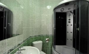 Hotel Baden Baden, Hotels  Volzhskiy - big - 30