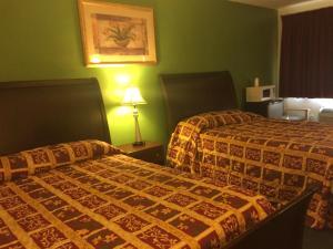 Room with 2 Queen Beds
