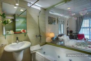 Luminous Viet Hotel, Отели  Ханой - big - 2