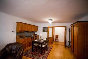 Apartment Ztracená 8, Apartments  Olomouc - big - 2