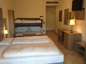 Villa Franca, Hotel  Nago-Torbole - big - 54