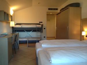 Villa Franca, Hotel  Nago-Torbole - big - 51